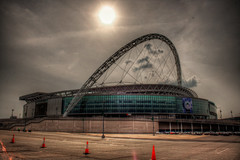 Wembley (CROMEO) Tags: park uk inglaterra london cup ball de foot evening photo football community europa stadium parking nfl final estadio londres campo shield futbol 90 uefa hdr league zone cr champions fa mil seleccion 2007 wembley wigan carling campeones liga inglesa espectadores 2013 cromeo