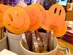 stock   Happy Face Spatulas (Lynn Friedman) Tags: sanfrancisco ca usa cooking kitchen smile yellow published humor tools ferrybuilding happyface smileyface attribution 94111 surlatable spatulas lynnfriedman sfbayareaobserver bayareaobserver