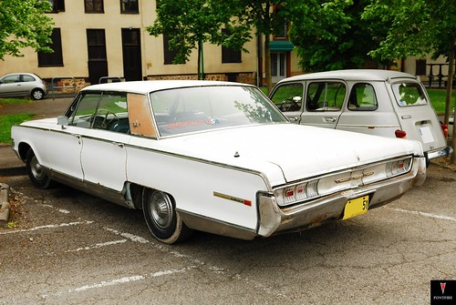 1965 CHRYSLER new yorker 4dr hardtop