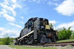 Bug's eye view (Michael Berry Railfan) Tags: ny train canadianpacific cp mlw rs18 porthenry montreallocomotiveworks rs18u cp1800 lakechamplainmoriahrailroad