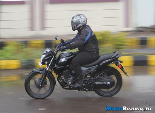 Honda-CB-Trigger-37