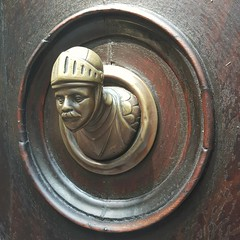 guardian (SergioBarbieri) Tags: olddoor doorhandle reggioemilia downtown art