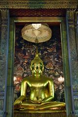 Pra Si Sagayamuni through the front door. (anatxm) Tags: wat sutas buddha bangkok thailand krungthep rattanakosin night d3300 kitlens anat moolmuang gold
