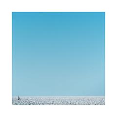 Horizon (Luca Cesari) Tags: orizzonte horizon mare sea blu boat barca sony a7rii sony70200f4 versilia toscana tuscany