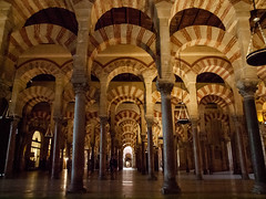 Catedral - Mezquita de Crdoba (J. Ruano) Tags: mosque mezquita arco arquitectura catedral cathedral islam alndalus cristianismo espaa crdoba