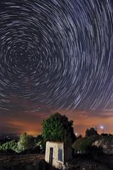 Circumpolar a Pujalt (Pere_olivella) Tags: circumpolar polar noscturna noche nit estels estrelles estrellas estrella astro astre cel nocturn pujat meteorologia afosants