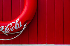 ~ (fidgi) Tags: red white canon logo rouge blanc marnelavallée disneyvillage canoneos7d