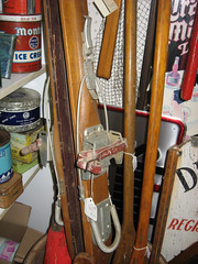Kandahar binding (ii). (MTBradley) Tags: history sports sport ma skiing technology cable antiques skis kandahar route7 wintersports bindings greatfinds