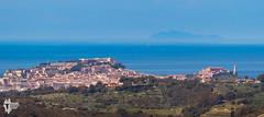 Portoferraio e Gorgona - 10032 (Roberto Miliani / Ginepro) Tags: trekking island elba hiking elbe isola calamita camminare capoliveri