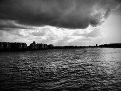 Clouds over river Thames (MadPole) Tags: london water thames clouds river diary lifeblog cycle woda existence cycles lifelog londyn rzeka londn chmury mraky biorhythms tamiza lifeblogging pamitnik biorytmy gti9100 samsunggalaxysll egzystencja monotoniazycia monotonyoflife