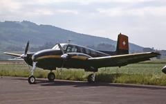 HB-GOW (Paul Thallon - Aviation Photos) Tags: beech brn twinbonanza lszb bernbelp bernairport d50e dh318 hbgow