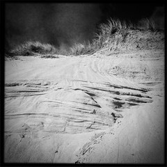 Trá 4 (soilse) Tags: blackandwhite cloud sun beach grass sunshine yellow clouds march seaside spring sand colours phone patterns dunes sunny bluesky lightleaks squareformat phonecamera gaeltacht phoneimage attheseaside mobilecamera mobilephonecamera app donegal cellphonecamera iphone dunegrass gaothdobhair 2013 trá anghaeltacht dúnnangall iphonecamera iphoneapp iphonography march2013 hipstamatic hipstamaticapp hipstamaticcamera iphoneogrphy gainnimh trámhachairegathlán
