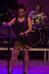 let me tune it (tomzcafe) Tags: singapore esplanade d90 mosaicmusicfestival soligor13528