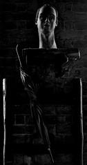 Ironia_filosofica (Danilo Mazzanti) Tags: danilo danilomazzanti mazzanti wwwdanilomazzantiit fotografia foto fotografo photography photos volto statua luce biancoenero blackandwhite drammatico