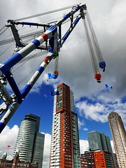 red-white-blue (louise peters (recharging the batteries)) Tags: floatingcrane drijvendebok architecture architectuur montevideo neworleans derotterdam worldportcentre hotelnewyork sky blue clouds wolkenlucht rood wit blauw red white urban cityscape skycrapers wolkenkrabbers stadsgezicht matador3