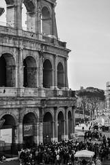 Coliseo Romano (II) (Leandro Fridman) Tags: coliseo roma italia blancoynegro byn monocromo monocromatico arquitectura antigedad rome italy ancient architecture blackandwhite monochrome bw nikond60 nikon d60