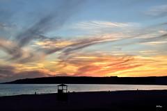 Cayendo el sol... (ZAP.M) Tags: playa plage beach naturaleza nature contraluz siluetas bolonia cdiz andaluca espaa nikon nikond5300 flikcr zapm mpazdelcerro nwn