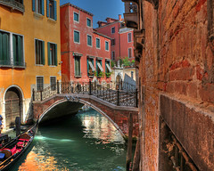 Venetian bridge (Explore 22/09/2016) (Poynton Robbo (www.clickar.co.uk)) Tags: venice italy bridge gondola water canal