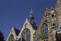 Oude Kerk (The Old Church) (DanielZelnio) Tags: amsterdam netherlands oudekerk