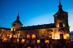 Procesin en la Semana Santa #Madrid (Francesco Patroncini Photography) Tags: madrid blue sunset sky people night lights spain nikon crowd procession semanasanta d90