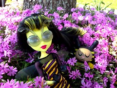Bee Girl and Pal (welovethedark) Tags: bees bee kidrobot phlox mattel dunny iphone arttoys amandavisell iphonecamera photoshopforiphone createamonster monsterhigh