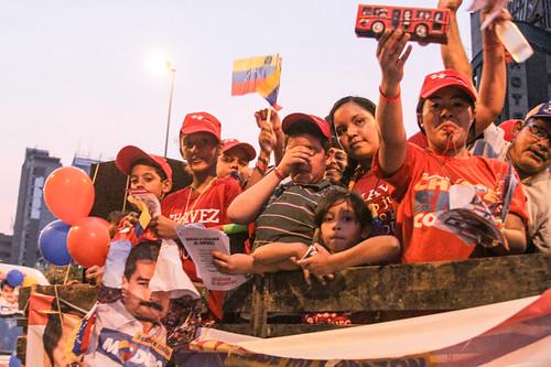 From flickr.com: ELEICOES 2013 NA VENEZUELA {MID-147494}