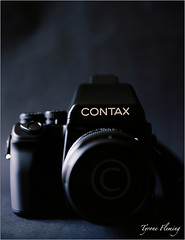 CONTAX 645 (Tyrone Fleming) Tags: filmcamera shotonfilm filmphotography colorfilm hasselbladh1 kodakektar100 hc120mmlens gwtphotography h1hasselblad tyronefleming contax645with80mmf2carlzeissplanarlens brandnewcontax645