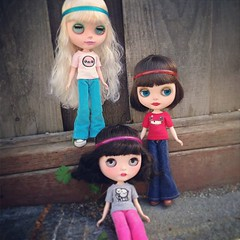 I need some Blythe sized switchblades so they can start a gang :3