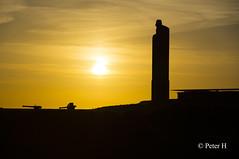 Stle et canons (Peter H. Photographie) Tags: sunset zeiss de landscape soleil sony coucher bretagne carl pointe paysage canons finistre stle saintmathieu 1680 a580
