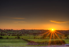 Sunset over Staffordshire (Raven Photography by Jenna Goodwin) Tags: light sunset summer england sun beautiful set photography star evening aperture dusk fields rays burst staffordshire narrow moorlands