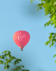 Virgin Hot Air Balloon (Tony Steele,Oxford,UK) Tags: hotairballoon nikond90 virginhotairballoon
