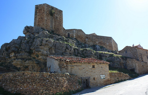the castle of Puertomingalvo