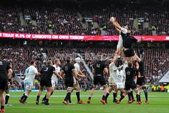 Lineout (Paddy-K) Tags: newzealand england london sport unitedkingdom rugby allblacks lineout gbr rugbyunion tomwood twickenhamstadium samwhitelock qbeinternationals