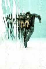 escapando de las voces en la cabeza (Mauricio Silerio) Tags: pool swimming photomanipulation photography agua cowboy eau underwater guitar guitarra piscina fotografia acqua piscine vaquero alberca acuatica submarina subacuatica ap fotomanipulacion mauriciosilerio