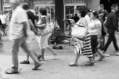 audience... (ignacy50.pl) Tags: music musicians concert people street movement monochrom city urban blackandwhite igancy50 cello girl summer daytime