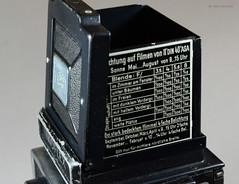 Ikoflex Ia on Display (09) (Hans Kerensky) Tags: ikoflex ia 85416 zeissopton tessar 135 75mm lens 6x6 tlr zeiss ikon display