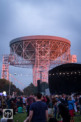 Sunset and the Lovell Telescope, Jodrell Bank Discovery Centre (tw332) Tags: bluedot bluedotfestival concert festival jodrellbank jodrellbankdiscoverycentre lights lovelltelescope radiotelescope stagelights sunset telescope
