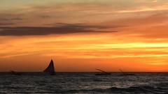 Em direo aos cardumes (Andr Felipe Carvalho) Tags: vento peroba icapu cear jangada pesca pescador nikon d7200 18300 alvorada sol nascente goldenhour