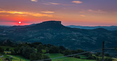 Silence (neisi.photography) Tags: sunrise sunset canon1855 nature sonnenuntergang silence natur sun tuscany canon70d toscana sonnenaufgang ruhe landschaft toskana landscape mountain hill mountainridge outdoor