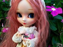 Pretty Flowers (Pullipprincess) Tags: pullip pullips doll dolls cute kawaii outdoor pretty pink groove grooveinc jpgroove junplanning pullipevesweet evesweet eve sweet flowers