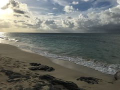 New Providence Island,Bahamas just a little bit before sunset this evening (Daniel Piraino) Tags: beach landscape bahamas nassau ocean sea coast seaside shore sand outdoor wave water iphone iphone6splus