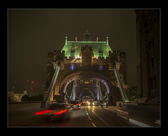 Caught In The Headlights (mini-b) Tags: london towerbridge toweroflondon views 2016 nighttime night canon eos5dmkii 24105mm14lisusm cars lights creative middleoftheroad