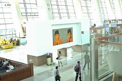 Soekarno-Hatta artwork (A. Wee) Tags: jakarta  indonesia  airport  cgk soekarnohatta terminal3 artwork