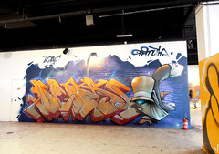 Ioye & Mutha (Mutha MR) Tags: street light paris night graffiti dance warm break floor deep funky walls hip hop breakdance mutha sodium 2012 bboys chelles ioye chellesbattlepro