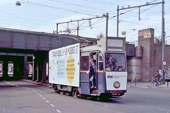 Tram en bus anders in Oost (tramlijn30) Tags: amsterdam tram gvb oost 903 muiderpoort insulindeweg bloedneus drieasser reclametram tramlijn30