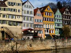 Neckarfront Tübingen: auf der Neckarmauer -  - La dolce vita - (eagle1effi) Tags: camera city germany deutschland lumix flickr ladolcevita panasonic stadt ia tuebingen kamera neckar tübingen tubingen autobracket württemberg badenwuerttemberg neckarfront tubinga hdrish eagle1effi ishotcc neckarmauer dibenga stadttübingen tübingenamneckar tz40 dmctz41 tz41 panasoniclumixdmctz41 dibengâ tubingue