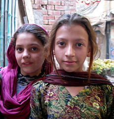 Pakistan 2003 - Lahore (Kurt van Aert) Tags: pakistan portrait girl lahore