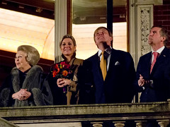 The Royal Dutch Family, queen Beatrix, daughter-in-law princess Maxima, and prince Willem-Alexander. (George Ino) Tags: nightphotography copyright holland utrecht nightshot availablelight nederland thenetherlands beatrix citycenter centrum oudegracht koningin prinswillemalexander koninginbeatrix availablelightphotography prinsesmaxima georgeinohotmailcom haremajesteitdekoningin