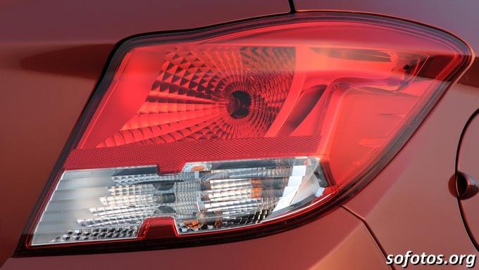 Lanterna do Chevrolet Onix LT