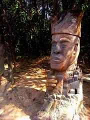 Esculturas em troncos de rvores - Sculpture on tree trunk (Valter Frana) Tags: arte escultura sculpture tronco rvore parque fazenda municipal bh mg